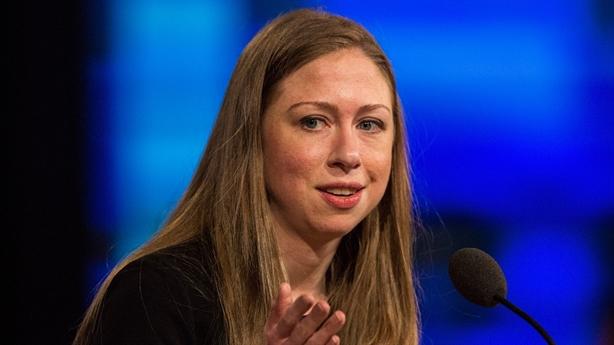 Ái nữ nhà Hillary Clinton nối tiếp giấc mơ của mẹ