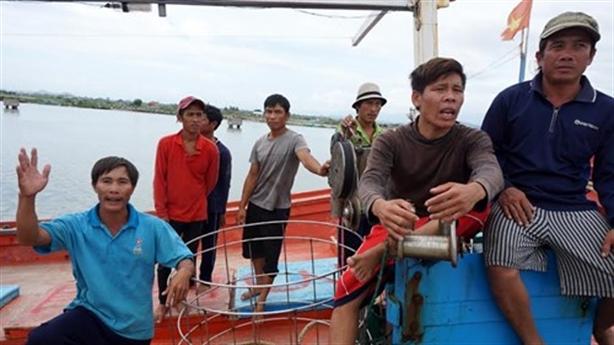 Ngư dân Khánh Hòa tố tàu Trung Quốc đâm từ phía sau
