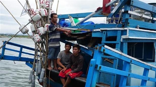 Tàu TQ đâm tàu ngư dân Khánh Hòa: 40 phút sinh tử