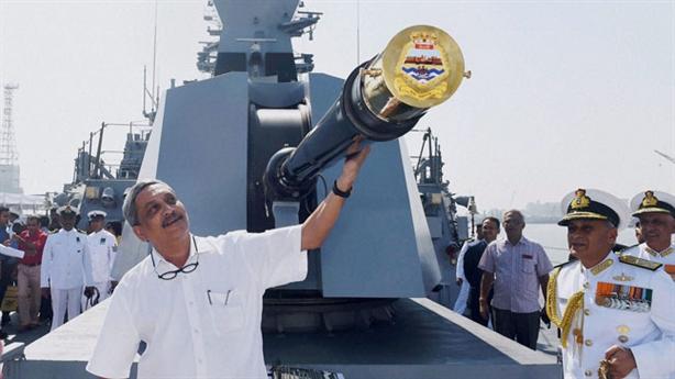 Tàu INS Chennai có thể làm gì khi đối đầu Type 052C