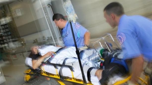 Trưởng CA bị đâm sâu 10 cm khi giải cứu bệnh nhân