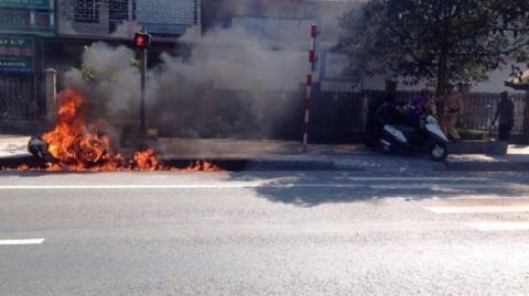 Đốt xe phản ứng CSGT Hà Nam: Xử lý lúng túng?