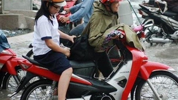 Bố mẹ Việt chiều, con phát bệnh: Mãi mãi tuổi lên ba