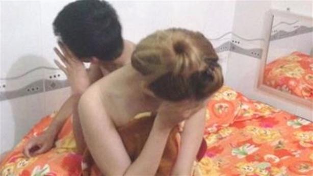 Vợ bị bồ của chồng gửi ảnh thân mật, dọa đánh