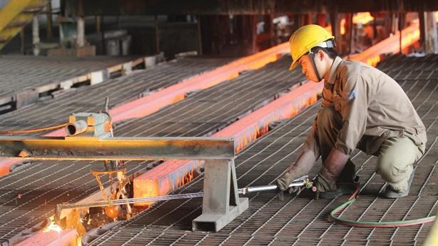 Việt Nam tính tăng dự án thép: Ai dám chịu trách nhiệm?