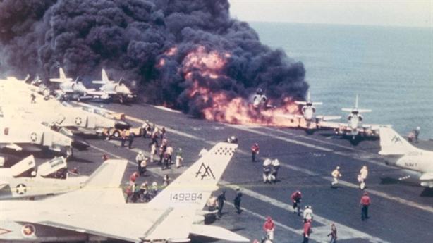 Nga xới nỗi đau Mỹ khi tàu Kuznetsov bị bới lỗi