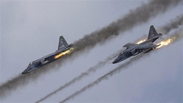 Clip quân Syria dội bão lửa gần căn cứ Deir Ezzor