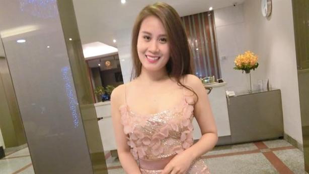 Nữ tiếp viên hàng không xinh đẹp sắp cưới MC Thành Trung