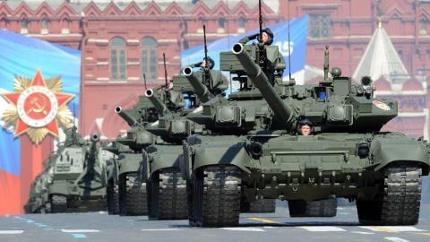 Nga rớt Top 5 chi tiêu quân sự: Trái đắng phương Tây