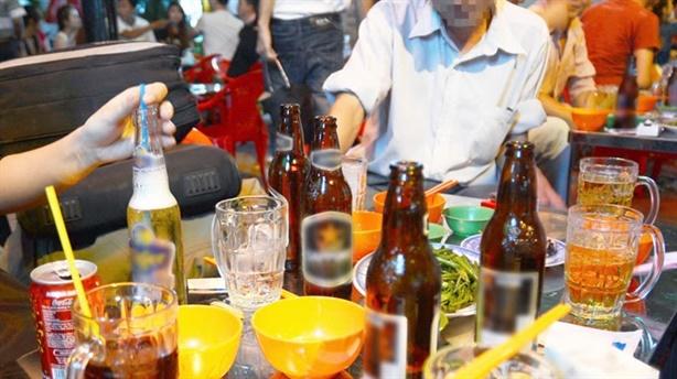 Người Việt đọc 1 cuốn sách/năm, bia rượu tăng nhanh nhất