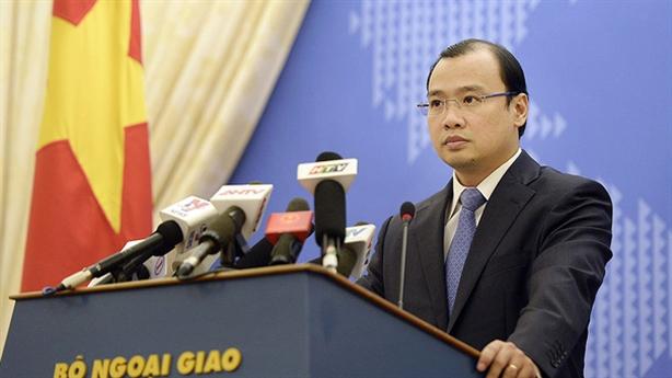 VN phản đối TQ mở đường bay dân sự đến Hoàng Sa