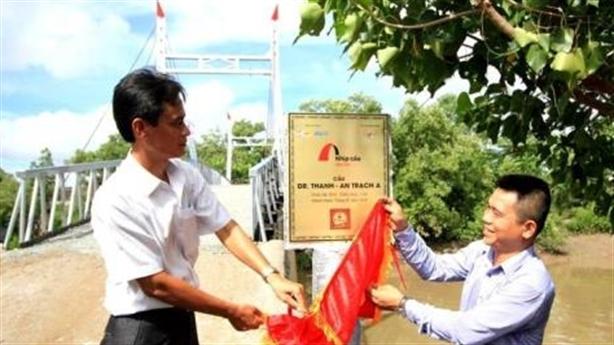Đặt tên cầu theo Dr.Thanh: Đi quá giới hạn