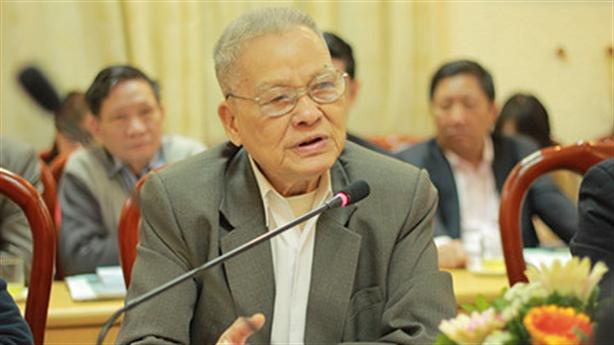GS Trần Phương: Sinh viên Đại học đạt điểm 7 mới qua?