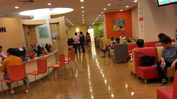 Người Việt sang Singapore tiêm vắc-xin: Lời thật chất lượng ngoại