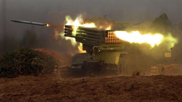 Ukraine đưa tên lửa Grad, Uragan ra chiến tuyến Donbass