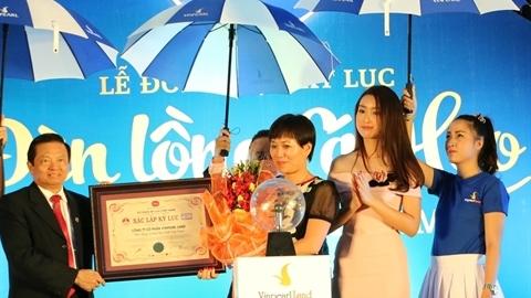 Vinpearl Land Nha Trang lập kỷ lục đèn lồng cá heo