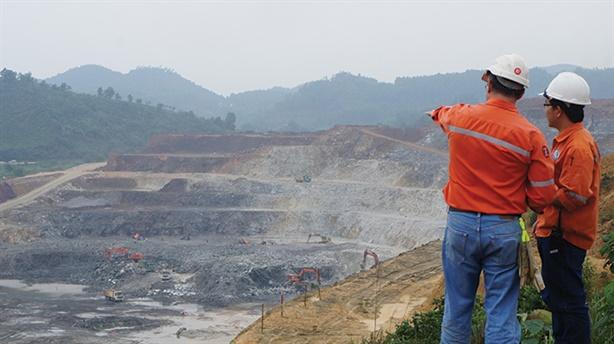 Ấn Độ muốn mua lại cổ phần mỏ Núi Pháo
