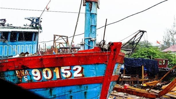 Trưng bày tàu cá bị Trung Quốc đâm chìm tại Hoàng Sa