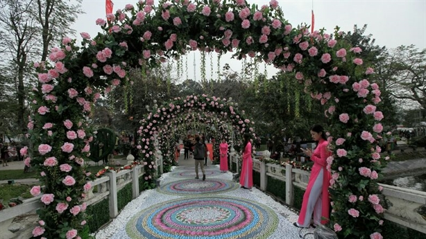 Lễ hội hoa hồng: Phải chấn chỉnh, không rút xuống 3 ngày