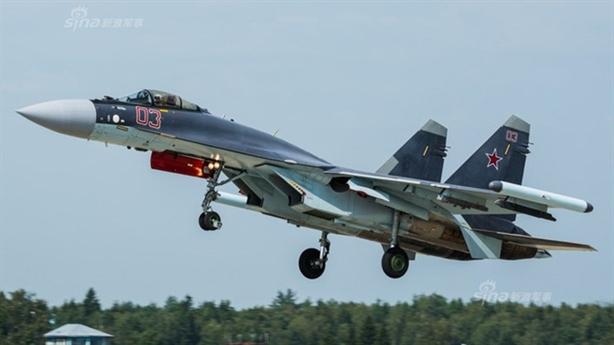 Chuyên gia Mỹ: Phi công Su-35 Nga đã mắc lỗi