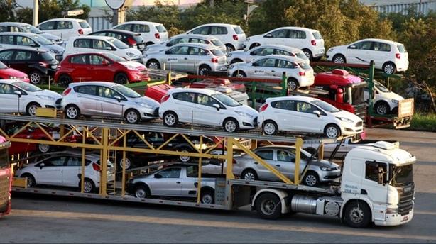 Nhập tăng mạnh, công nghiệp ôtô