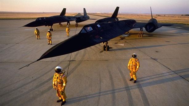 Máy bay nào thực sự đã khóa được SR-71 của Mỹ