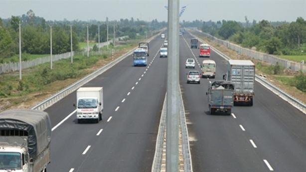 Hơn 200 tỷ một km đường bộ cao tốc Bắc-Nam: ĐBQH lo