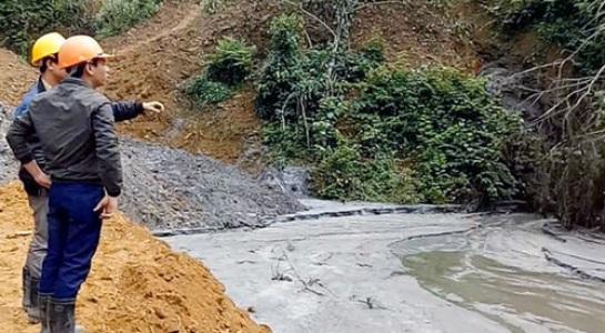 Vỡ đập chứa bùn thải quặng Nghệ An, cá chết hàng loạt