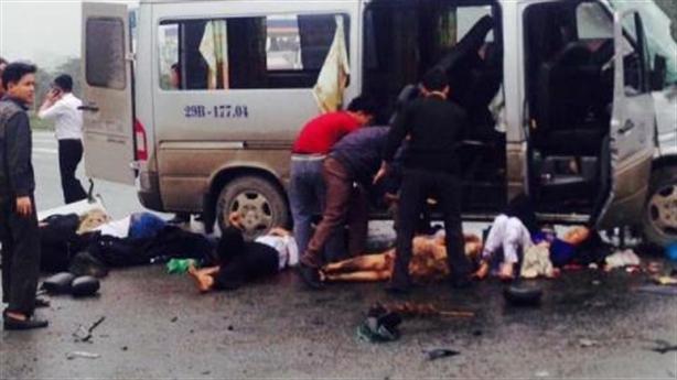 Tin mới xe đón dâu tai nạn kinh hoàng ở Hà Nam