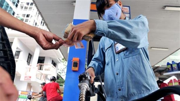 Giá xăng giảm hơn 700 đồng/lít, dân không quan tâm