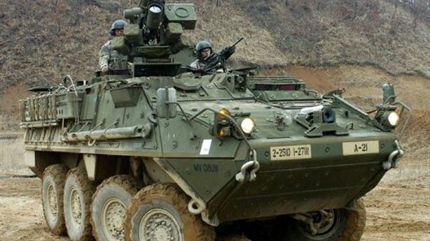Vũ khí laser trên xe Stryker bắn hạ 100 quả đạn cối