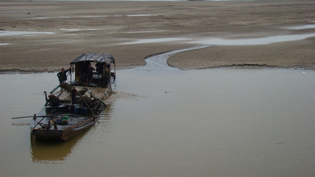 Quy hoạch sông Hồng: Nhạy cảm, không thể giao tư nhân