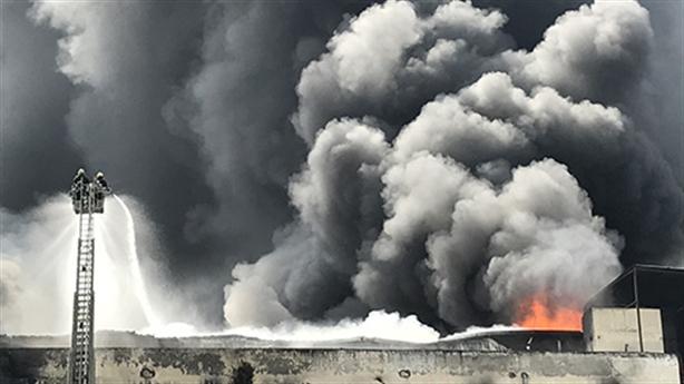 Doanh nghiệp mất triệu USD do cháy: Thiếu nước do ai?