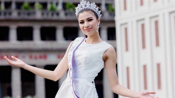 Lùm xùm hoa hậu thi chui: Tự do cũng phải xin phép