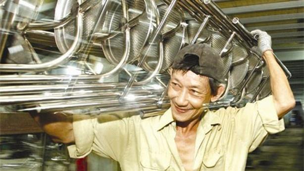 Doanh nghiệp Việt đứng xa nhìn ngàn tỷ: Ai chặn đường?