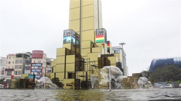 Hạ Long xây tháp đồng hồ 35 tỷ: Càng to càng tốt