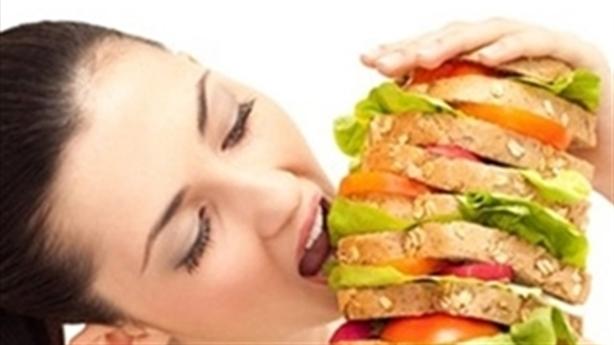 Tôi không thể ngừng ăn thực phẩm 'rác' khi đang mang thai