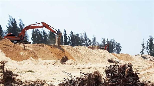 Phú Yên cho phá hơn 100ha rừng để kịp... thi hoa hậu?