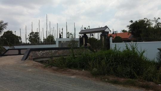 Sếp Cty Cấp nước xây biệt thự chui: Điệp khúc quanh co