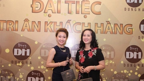 NSND Lan Hương yên tâm dùng sản phẩm Đông y Dung Hà