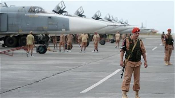 Nga rút máy bay khỏi Syria, phiến quân Latakia đầu hàng