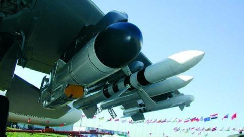 T-50 bắn tên lửa Kh-35UE: Phương Tây đứng im chịu đòn?