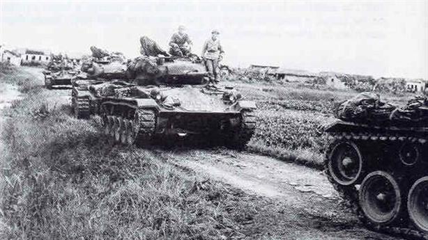 Chiến tăng Mỹ cấp cho Pháp tan tác tại Điện Biên Phủ