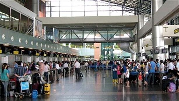 Sân bay Nội Bài bị cháy tủ điện: Đừng đổ tại trời