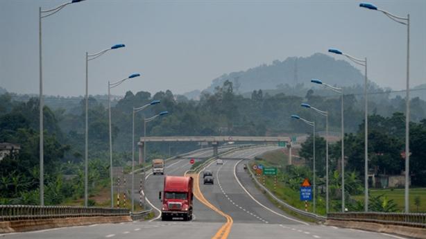 Vay tiền Trung Quốc làm cao tốc: Hàng hóa ở đâu?