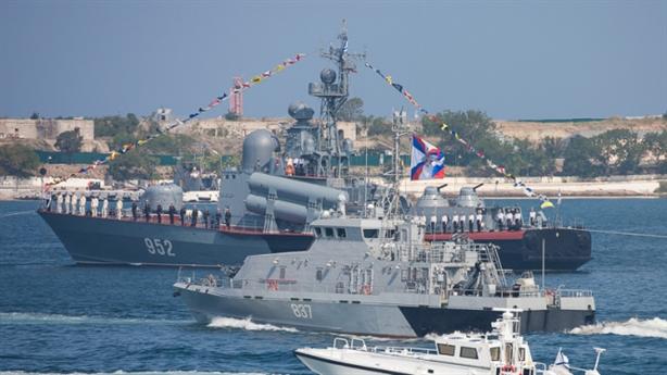 Hạm đội Biển Đen tăng thêm tàu chiến, tàu ngầm...
