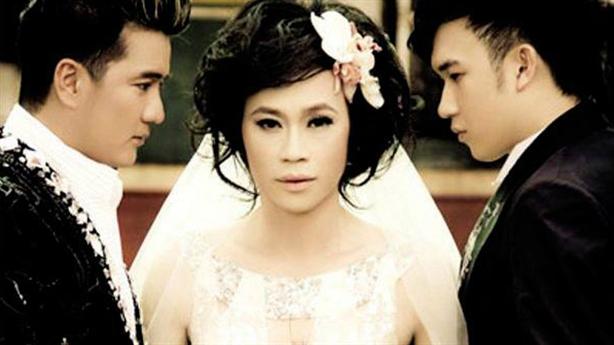 Mr.Đàm-Dương Triệu Vũ thân mật tại buổi tiệc, Hoài Linh ở đâu?