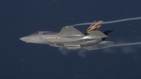 F-35B dùng siêu pháo triệu đô diệt địch