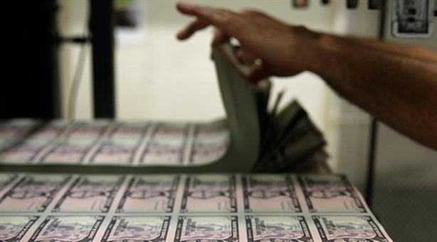 Nga tăng mua nợ Mỹ