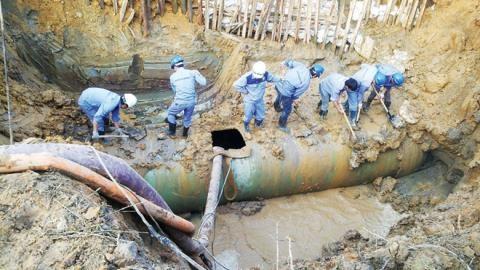 Đầu tư ống Trung Quốc dẫn nước ăn cho nhân dân TP.HCM?
